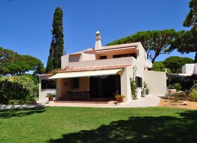 Vale do Lobo - 3 Bedroom Villa (+1) with Pool